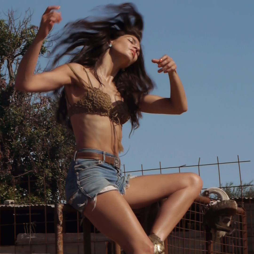 bethia-beadman-jumping